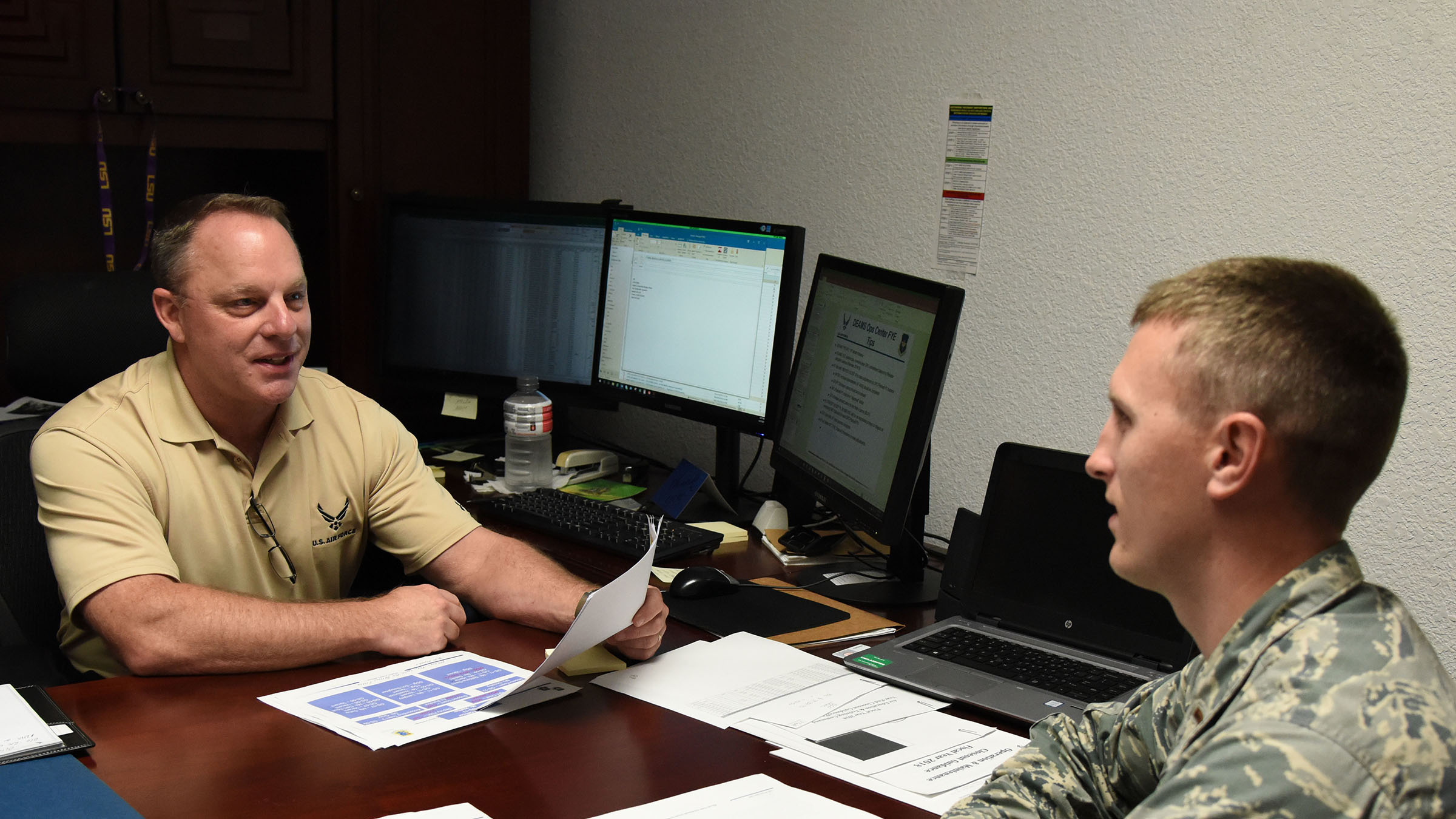 Service members discuss financial strategy