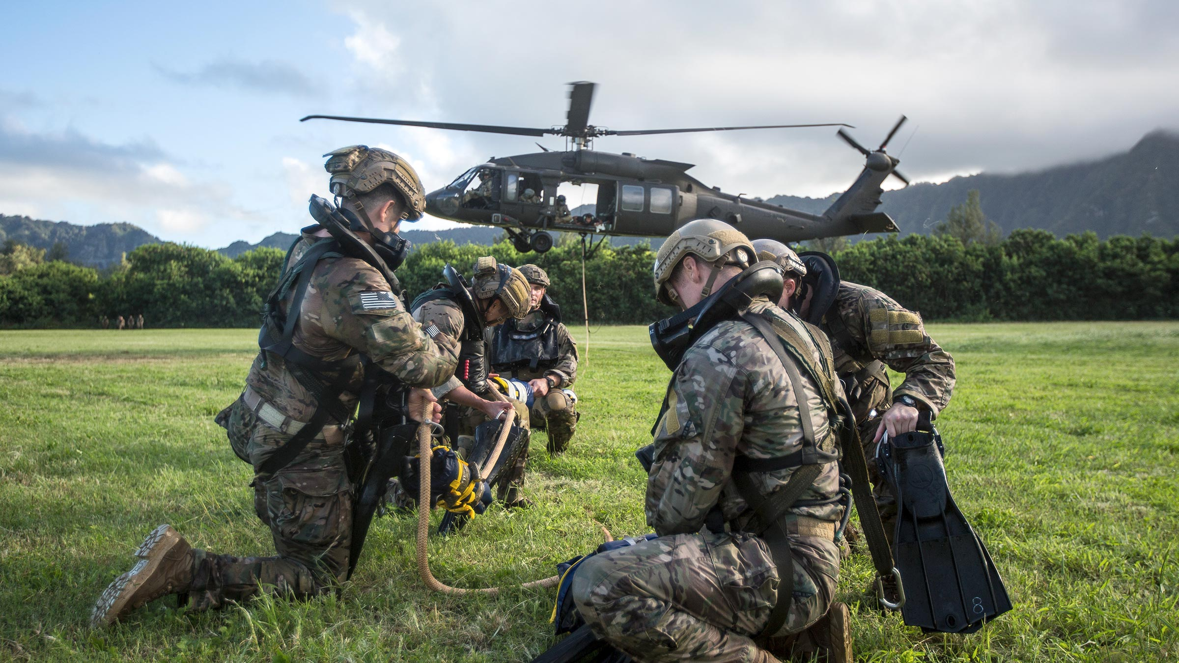 Army rangers participate in training
